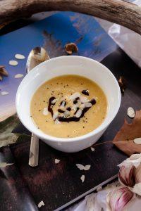 Vegane Kichererbsen-Süßkartoffel Suppe