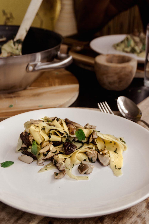 5 einfache und vegane Pilzrezepte - Bandnudeln in Steinpilzsauce