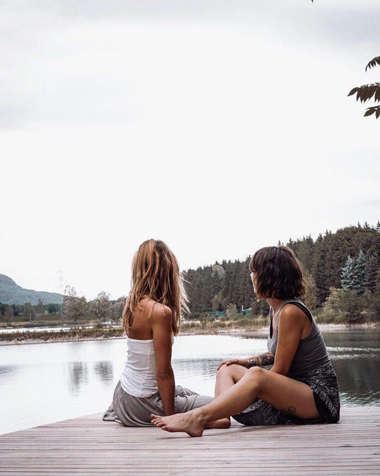 Grenzenlos sein und neue Menschen in dein Leben lasse