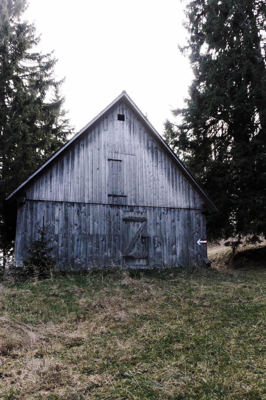 Hütte vor der Poschkogel Hütte