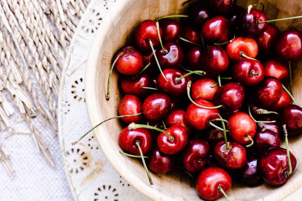 Saisonales Obst Juni