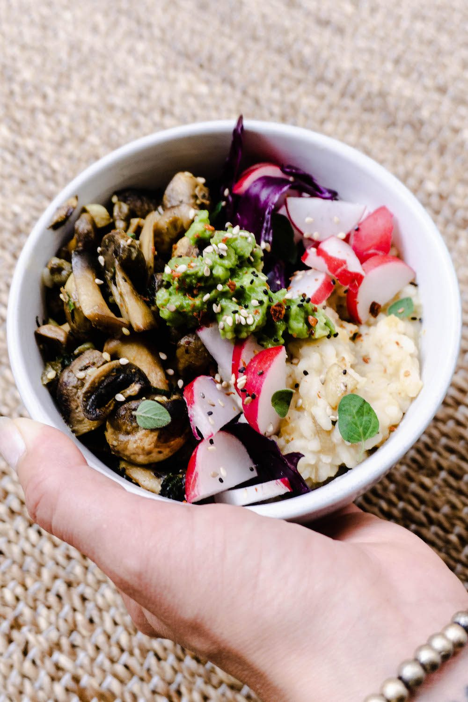 Reisbowl mit Pilzen und Linsen