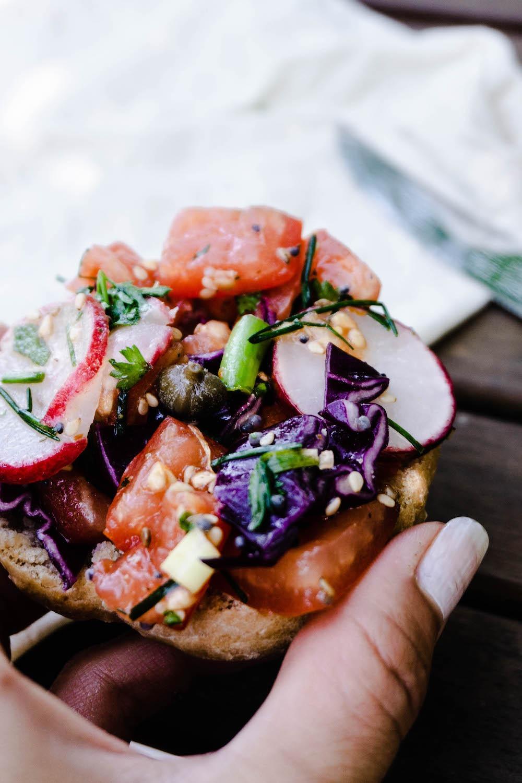 Veganes Sandwich oder ein Salad-To-Go für die Lunchbox