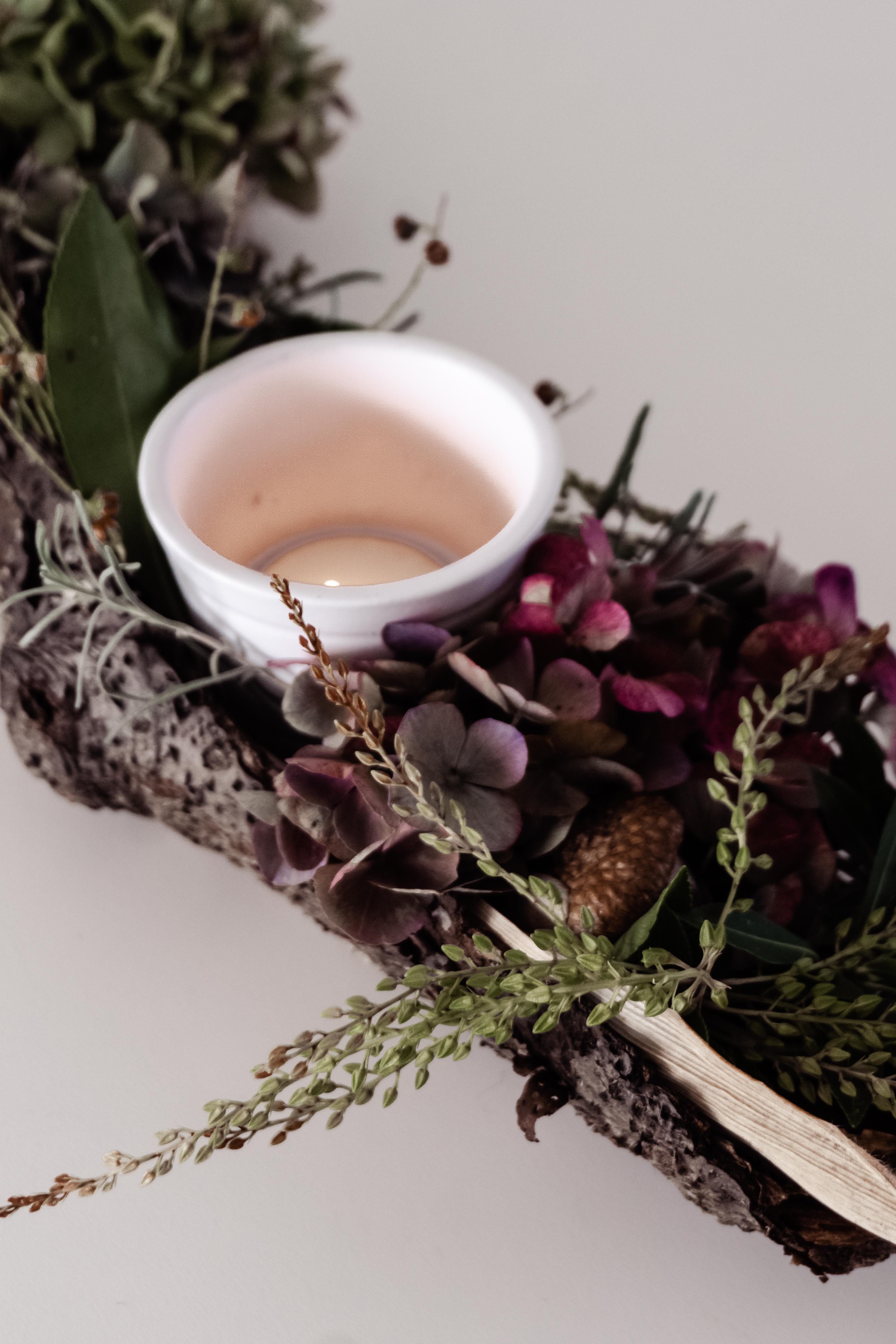 Blumen-Rinde Tischdeko
