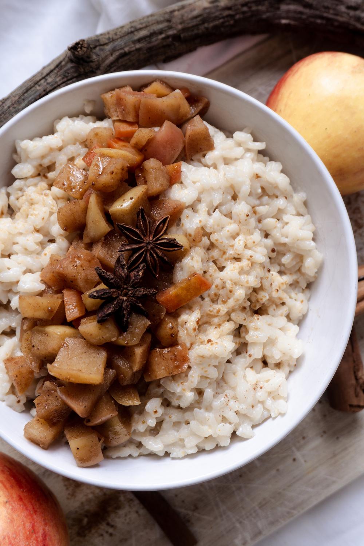 Veganer Apfel-Karotten Milchreis