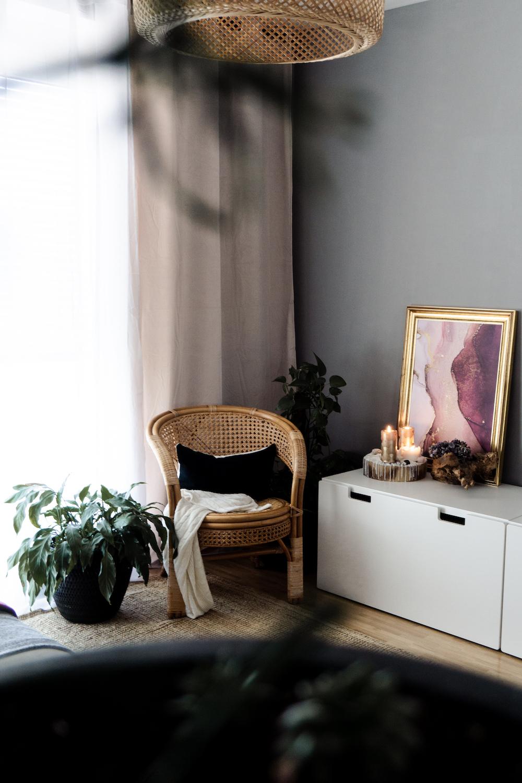 Wohnzimmer neue Farbe, Vorhänge und Bilder